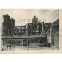 1927 Press Photo Side view of Rheims Cathedral in France - mjx36308