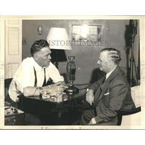 1935 Press Photo War Correspondent Floyd Gibbons shown with William Curley