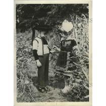 1929 Press Photo Children dressed in costume for festivities at Huelgoat, France