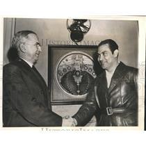 1941 Press Photo Ambassador Messersmith Congratulates Cuban President Batista