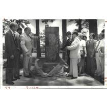 1983 Press Photo Unveiling English & Chinese Monument in Hermann Park Houston