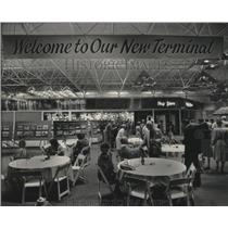 1985 Press Photo new airport terminal opening at Mitchell airport in Milwaukee