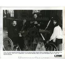 "1993 Press Photo Travis Tritt with Disabled Veterans for ""A Celebration"" TNN TV"