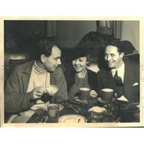 1932 Press Photo Movie Stars William Collier Jr., Dorothy Lee and Bert Wheeler