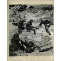 1950 Press Photo 8th Cavalry Regiment 1st Cavalry Division Mortar Crew S Korea