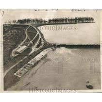 1950 Press Photo Aerial View of Water Leaving Spillway - nox07698