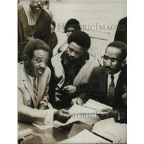1969 Press Photo Dr. Ralph Abernathy meet with other Civil Rights Leaders