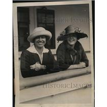1922 Press Photo Tennis Champ Molla Mallory Sails with Edith Sigourney for Match