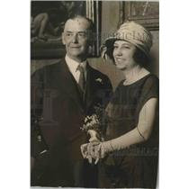 1923 Press Photo Comedian Eddie Foy and Bride, Mrs. Mary Coombs - mjx37413