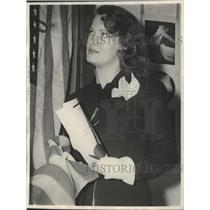 1941 Press Photo Film Actress Osa Massen took oath of Allegiance - sbx09519