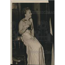 1939 Press Photo Jean Fagan with a drink.  - mjb44996