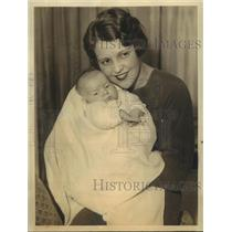 1932 Press Photo Actress Sue Carol with Adopted Daughter - sbx10760