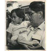 1961 Press Photo Carlos Estrada, Granddaughter Edna Campos, Airplane Hijacking