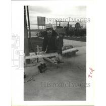 1989 Press Photo Radio Model Airplane Hobbyist Marvin Biano, Cullen Barker Park