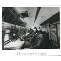 1971 Press Photo Flight Engineers on Board The Airplane Concorde 001