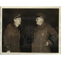 1938 Press Photo Col. Robert Olds Being Congratulated by Major Gen. Frank Andrew