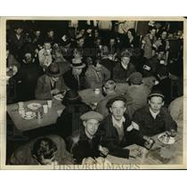 1937 Press Photo Red Cross Canteen in Guliford School for Flood Victims