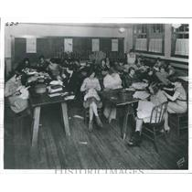 1929 Press Photo Dressmaking Classes, Oklahoma Ave Social Center, Milwaukee