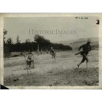 1917 Press Photo US Army in France Cleaning Out The Trenches - nem47780