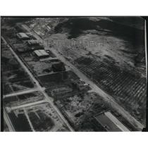 Press Photo Aerial view of Cleveland Airport. - cvp81527