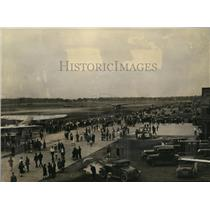 1929 Press Photo Crowds await Roy Mitchell & Byron Newcomb at Cleveland Airport.