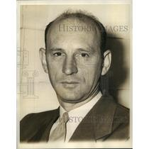 1941 Press Photo Fred E. Weick of the Engineering and Research Corporation