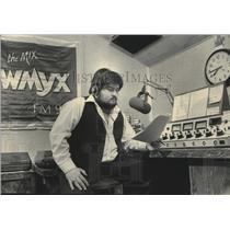 1984 Press Photo Jim Morales, Milwaukee disc jockey - mjb53091