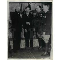 1935 Press Photo General Greely Congratulated for Congressional Medal of Honor