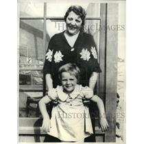 1934 Press Photo Edgar Rice Burroughs and Granddaughter Joan Burroughs Pierce