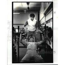 1987 Press Photo Dave Redding, strength coach for the Browns - cvb52861