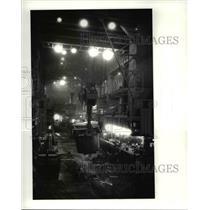 1987 Press Photo LTV Canton works ladles move in the smoky plant - cva65959