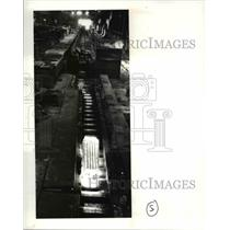 1987 Press Photo LTV Canton works Ingot runs down the line to the hot roof press