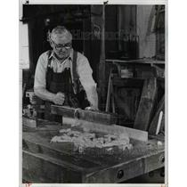 1983 Press Photo Hale Farm Cabinet Maker - cva66056
