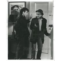 """1994 Press Photo Paul Riser and Helen Hunt """"Mad about y - RRW33427"""