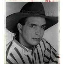 1990 Press Photo Troyal Garth Brooks pop arena chart - RRW16339