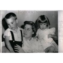1994 Press Photo Adopt Catholic twins Mr Mrs Ruben Head - RRU95691