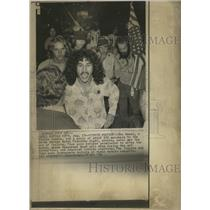 1976 Press Photo Yippies Denied Entry To Hotel - RRW45291