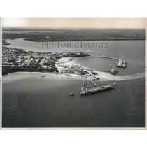 Press Photo Japanese ship in Darwin Harbor, Darwin, Australia - hcx05113