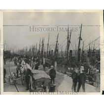1929 Press Photo Dutch fishermen celebrate the new year in Ymuiden, Holland
