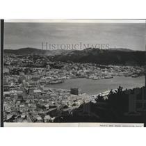 1966 Press Photo Harbor at Wellington, New Zealand - spa87612