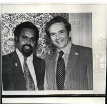1976 Press Photo Rep. Leonard Sawyer & Papua New Guinea P. M. Michael Somare
