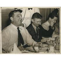 1938 Press Photo Aviator Douglas Corrigan at New York Advertising Club Lunch