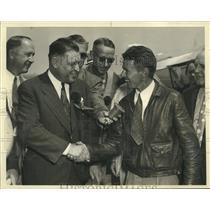 1938 Press Photo Douglas Corrigan with Long Beach Mayor Thomas M. Eaton