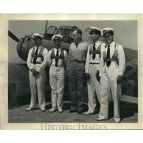 Press Photo Captain Trenholm Meyer and the Chilean Air Force pilots - sba19699