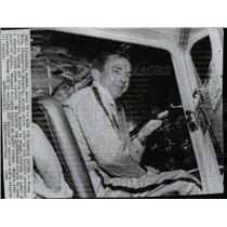1966 Press Photo Pilot Frank Hern begins his light plane, record flight quest