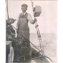 1921 Press Photo FL Sailors Salvaging Isis US Coast & Geodetic Survey