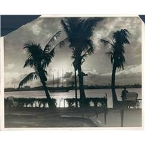 1929 Press Photo Palm Beach FL Setting Sun Over Lake Worth - ner38849