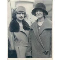 1923 Press Photo NYC Adele & Marie Leroix of Paris France - ner41109