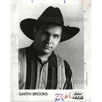 1990 Press Photo Troyal Garth Brooks Musical Artist - RRW16337