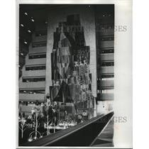 "1971 Press Photo Nine story ceramic mural in ""Grand Canyon"" lobby of a hotel"